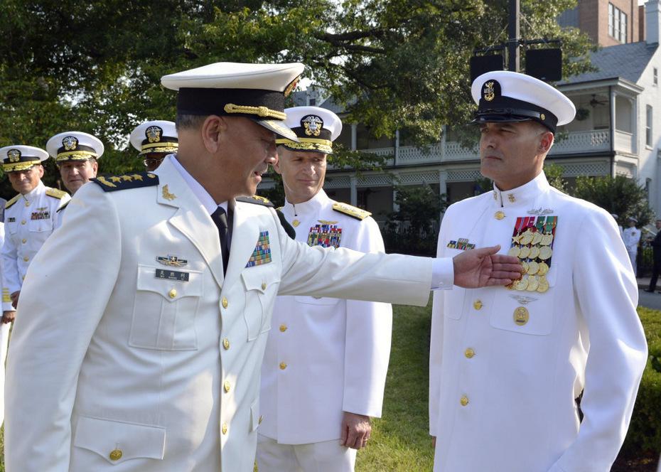 中国海军司令访美海军腹地 出席授勋仪式