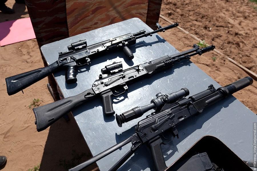 军事资讯_首见俄罗斯最新型ak-12突击步枪战术试用-军事新闻