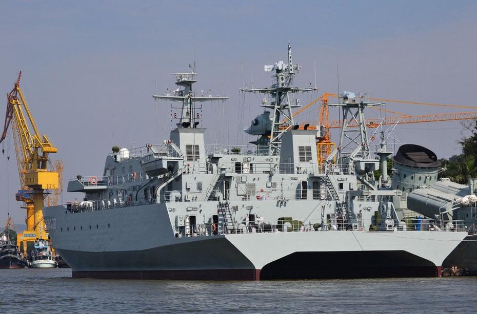 首艘装备锂电潜艇_中国三大舰队装备双体测量船 助潜艇作战