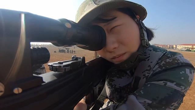 女狙擊手是怎樣煉成的?狙擊女兵:我們不比男兵差