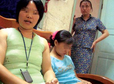 日本幼女野外高潮_12岁幼女被骗卖淫 不到一个星期嫖客却被保释(图)