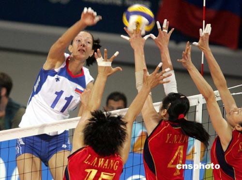 体育新闻      当地时间八月二十八晚,中国女排在雅典奥运会女排决赛