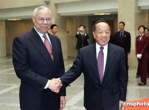 中国外交部长李肇星会见来访的美国国务卿鲍