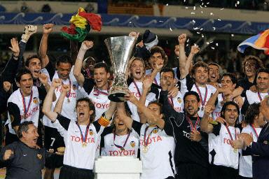 瓦伦西亚2-0胜马赛夺取联盟杯 成为赛季双冠王