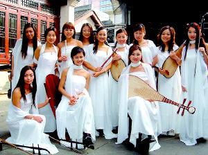用传统的民族乐器演奏新民乐