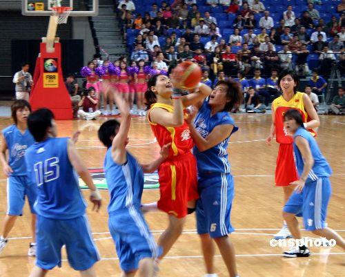图:中国女篮艰难赢得亚锦赛首场比赛