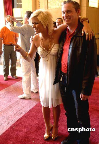 图:美国女明星提前亮相红地毯