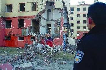 山东枣庄液化气爆炸 两楼层坍塌(图)