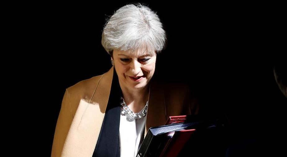 特蕾莎•梅宣布将卸任 曾因脱欧两次面临逼宫