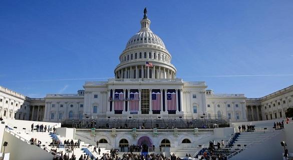 """白宫为建边境墙""""不惜代价"""" 美政府关门危机又起"""