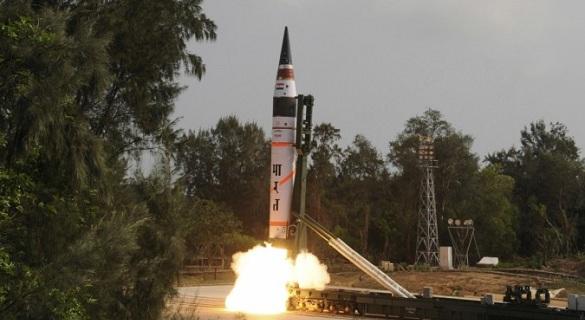 """印度成功试射一枚""""烈火-2""""弹道导弹"""