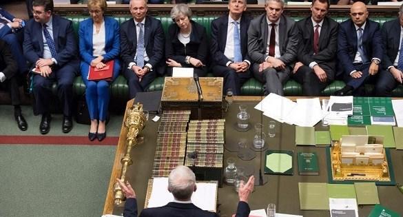 """英国""""脱欧""""时限逐步临近 两大党仍陷内部分歧"""