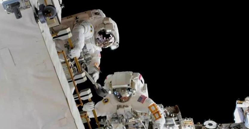 没有合身太空服 NASA取消两女性宇航员太空行走计划