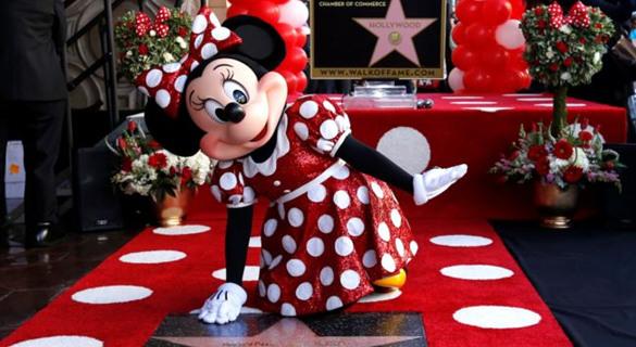 为观众带来欢乐 米老鼠米妮留名好莱坞星光大道