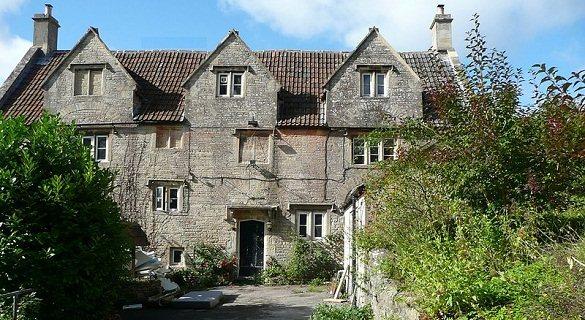 英国15世纪酒吧要改建公寓 居民不舍众筹买回