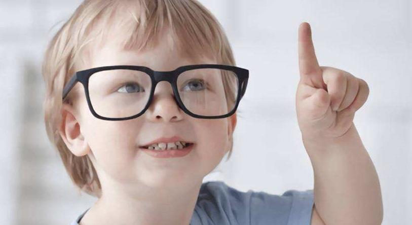研究:眼睛接触明亮自然光越少 近视度数或越高