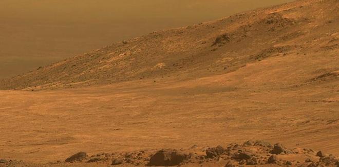 """""""机遇号""""探测器拍摄火星表面 寻找生命痕迹"""