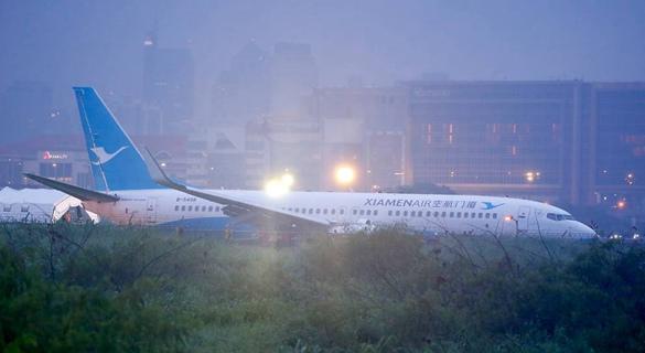 厦航航班在菲机场降落后偏出跑道 165人安全撤离