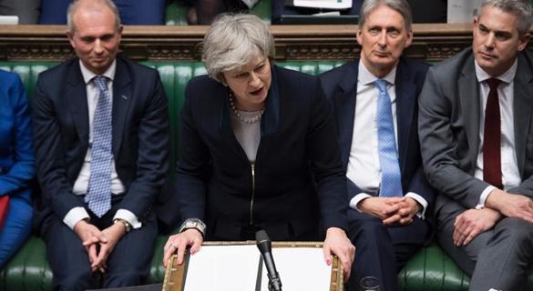 """协议被否后 脱欧进程进入英首相担心的""""未知领域"""""""