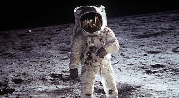 人类登月49周年:月球仍在那里,我们何日再去?
