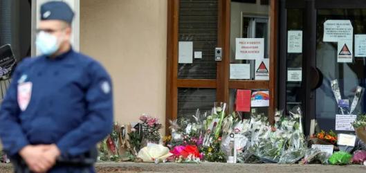巴黎教师遇害案揭深层社会冲突 法政府如何去极端化?