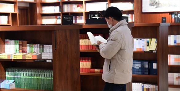 部分实体书店在外卖平台上线 买书几十分钟内可送达