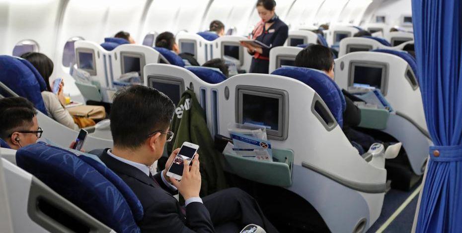 冷知识:以前飞机上不能玩手机是因为山寨机太多?