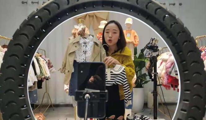 探访中国最大童装生产基地织里:小童装织就共富路