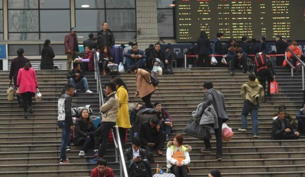 中国农村外出务工劳动力总量达1.74亿人