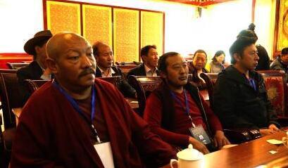 西藏对雕塑非遗传承人进行培训 提升美学素养