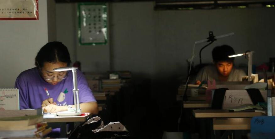 备考研究生 安庆高校学子暑期留校奋战