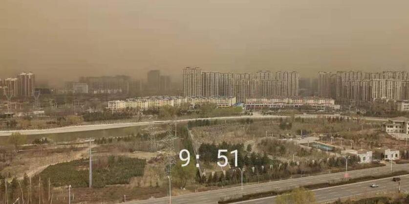 俄罗斯叶卡捷琳堡市发生风暴灾害3人遇难