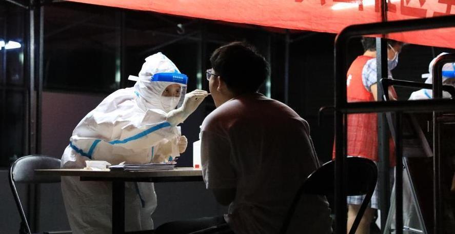 凌晨探访郑州全民核酸检测现场