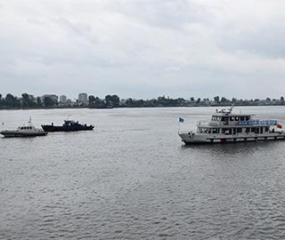 中朝海事部门鸭绿江水域联合巡航检查