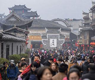 各地春节游客达峰值