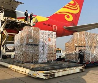 武汉天河机场首架国际商业货运航班启运