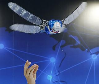 世界机器人大会开幕 仿生机器人亮眼
