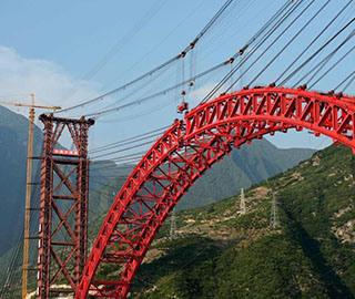 三峡库区香溪长江公路大桥即将合龙