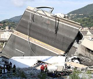 意塌桥事故增至39人亡 救援人员持续救援