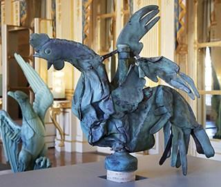 巴黎圣母院火灾幸存公鸡雕像将被展出