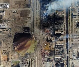 航拍盐城化工厂爆炸核心地带