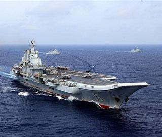 辽宁舰编队开展远海实兵对抗演练