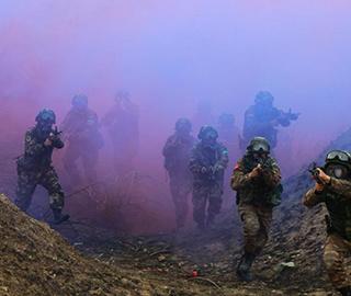 武警山西总队开展野外极限训练