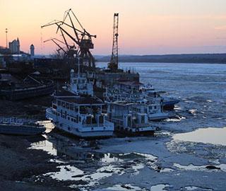 中俄界江黑龙江黑河江段全面融化