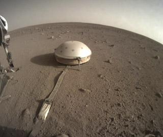 """""""洞察号""""测到数百次火星震动"""