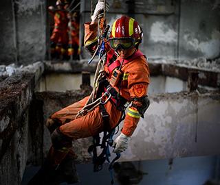 四川消防展开川北战区地震救援演练