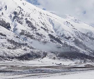 新疆禾木白雪皑皑 宛如冰雪童话世界