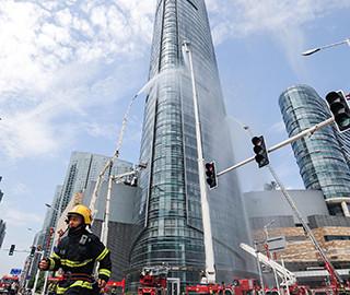长沙超高层建筑灭火演练 如大片现场