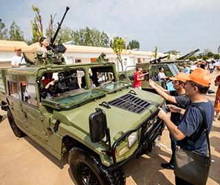 首次全国性军营开放活动在武汉举行