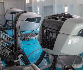 探访亚洲最大模拟飞行训练基地